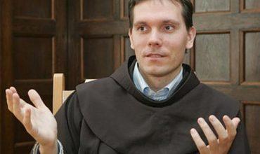 Ďalší kňaz v EÚ je prenasledovaný pred súdom za pravdu